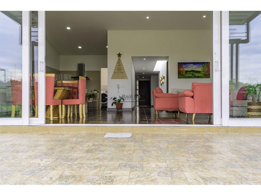 venta de casa en la ciudad con ambiente campestre al norte de armenia