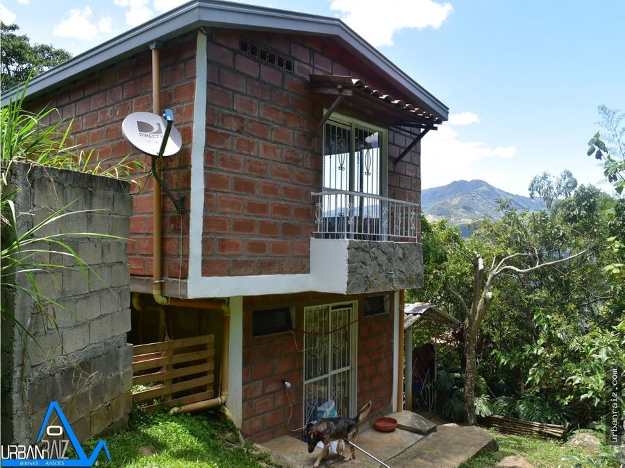 finca en copacabana con 5 casas 15 minutos de la via pavimentada