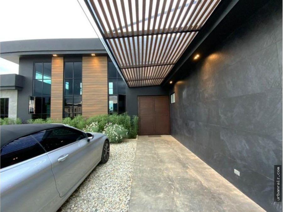 casa moderna en llano grande