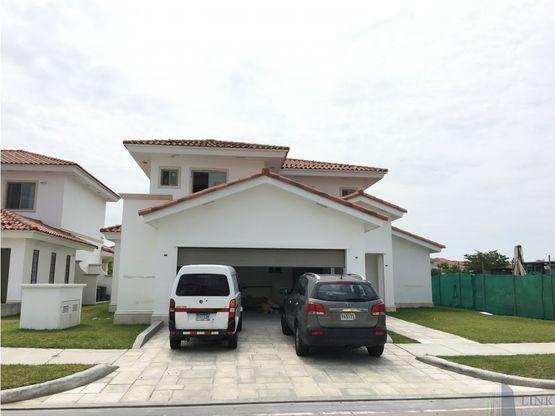 casa en venta en santa maria