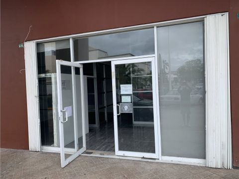 local en renta en cancun plaza las palmas 90 m2 23400 mxn