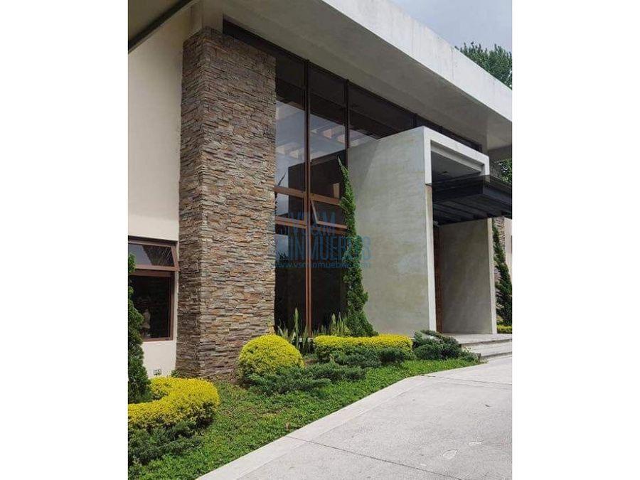 country club zona 11 hermosa residencia a la venta