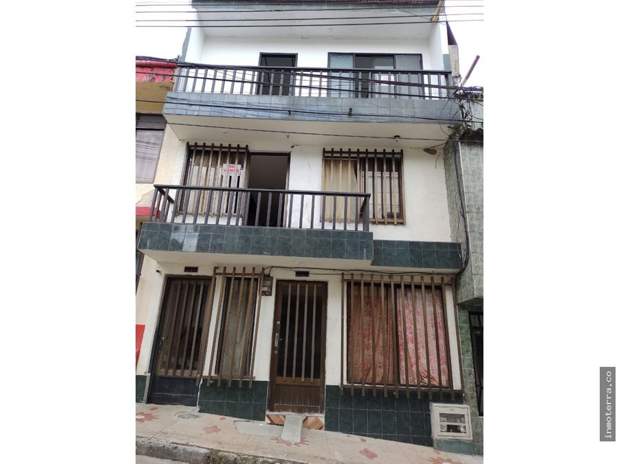 casa para la venta en dosquebradas con tres apartamentos