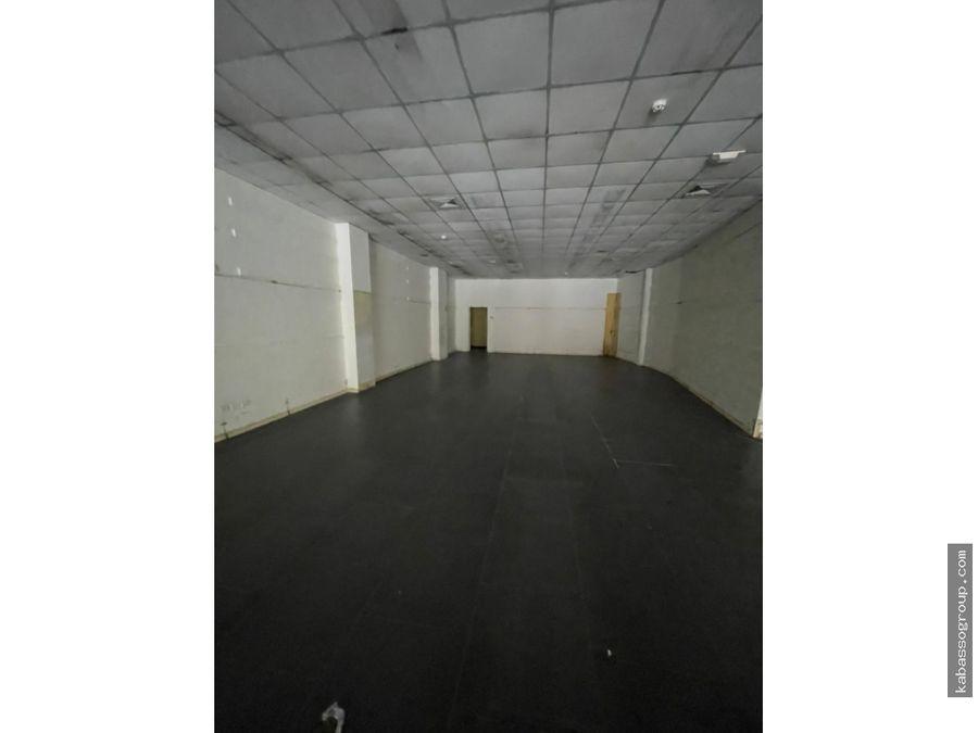alquilo local en calidonia 1 piso