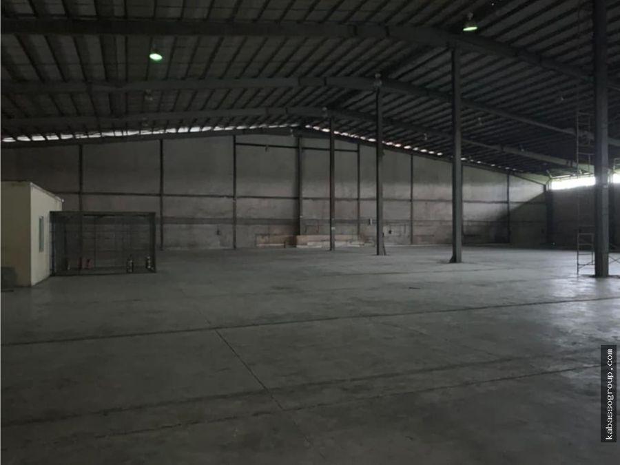 alquilo o vendo bodegas en parque industrial milla 8varios metrajes