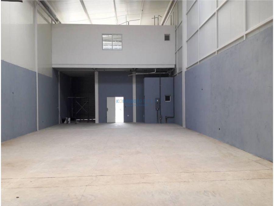 bodega en centro logistico 24 de diciembre alquiler o venta