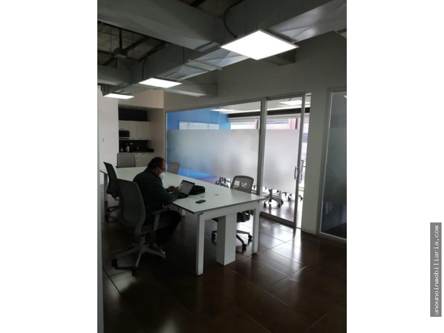oficina tabicada en alquiler en design center zona 10