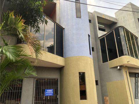 edificio para empresas en barrio obrero