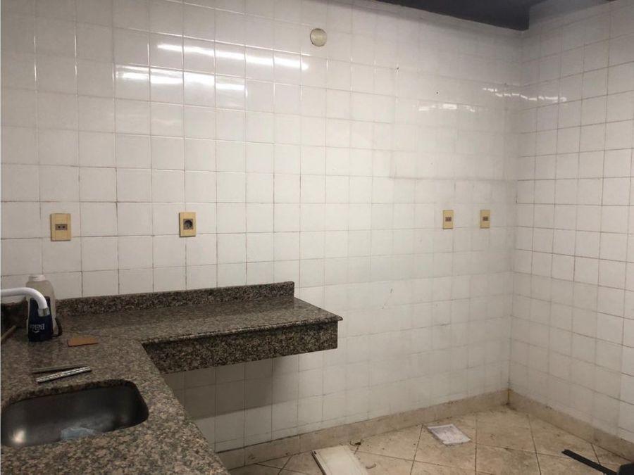 salon comercial en el centro de asuncion