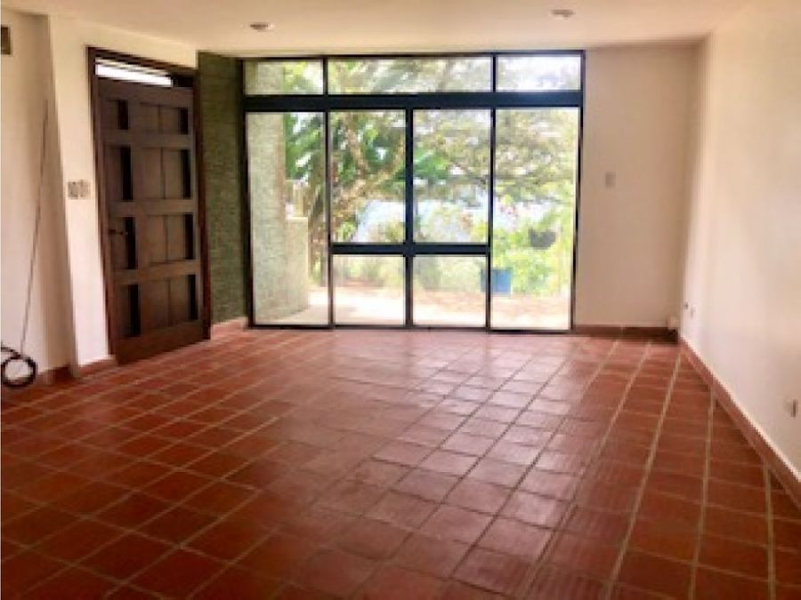 alquiler casa alto hatillo con vista calle privada con seguridad