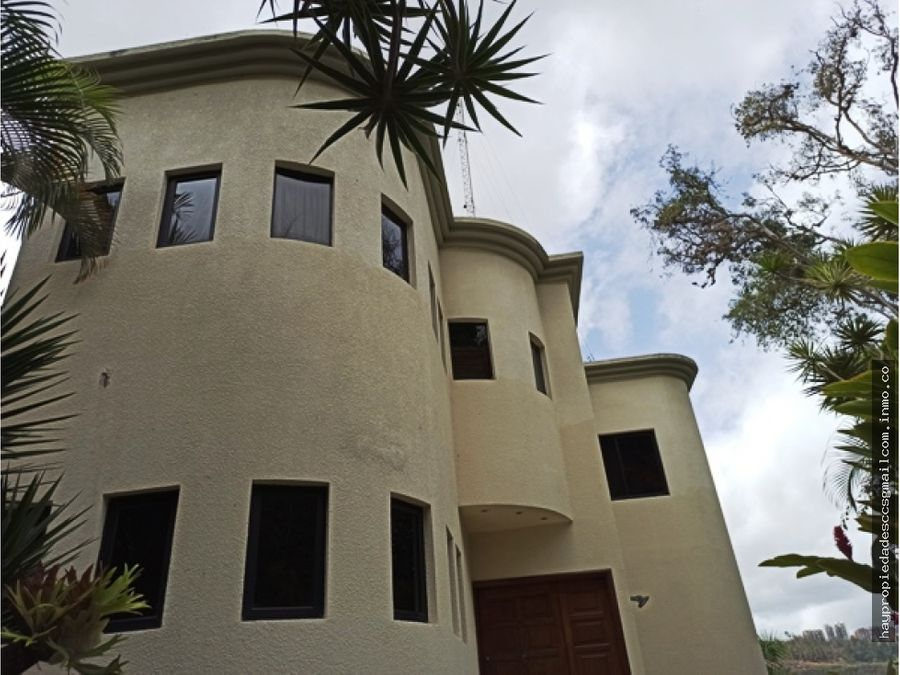 colinas de tamanaco casa 483 m2 4 h 7 b 4 p