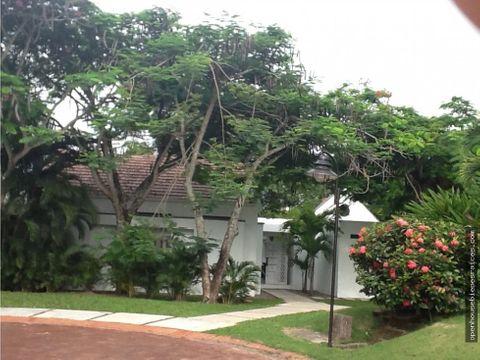hermosa casa en puertopenalisa girardot