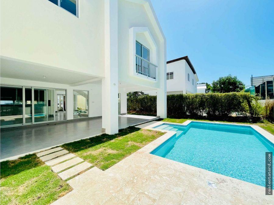 nueva construccion villa de 4 hab con piscina en puntacana village