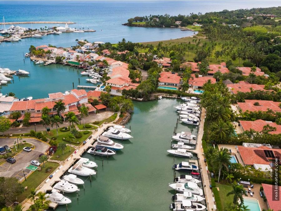 hermosa villa de 5 hab y vista a la marina en casa de campo