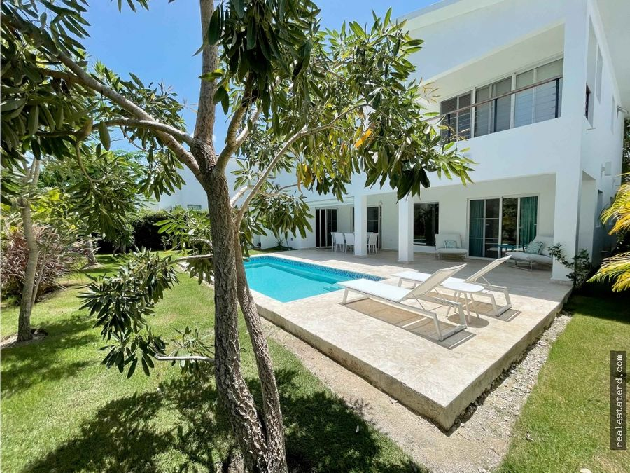 villa de 4 hab comoda y bien ubicada en puntacana village