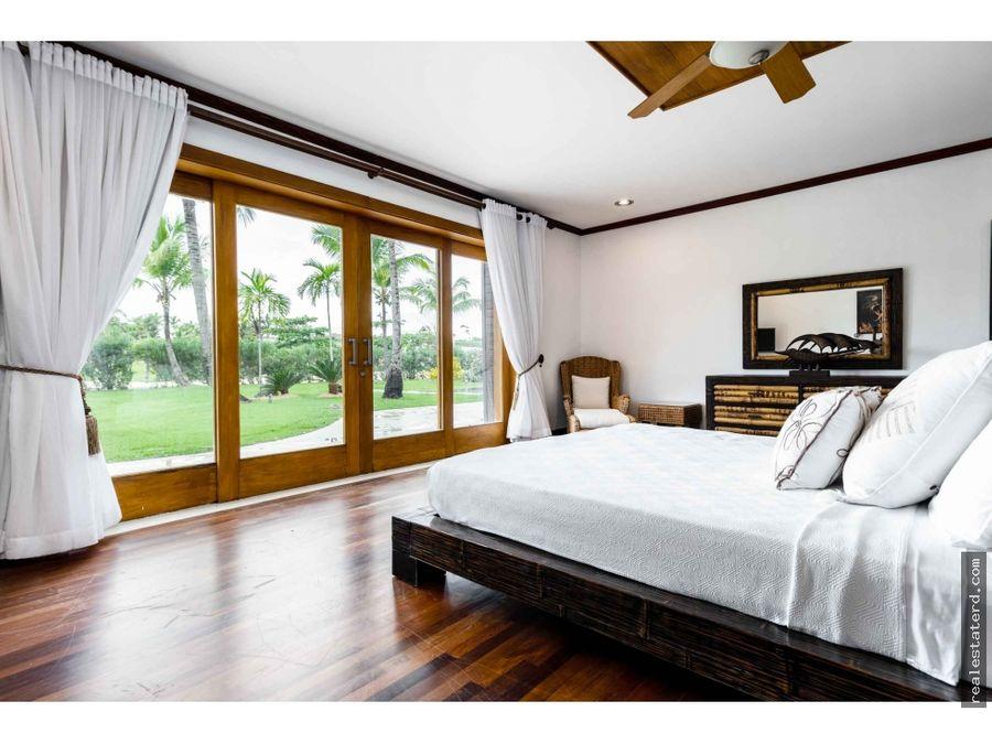 villa con 5 hab y vistas al campo de golf en caleton cap cana