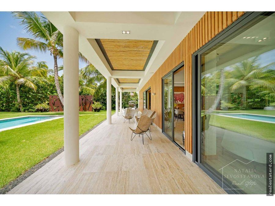 villa ultramoderna con 4 hab y vista al campo de golf en arrecife