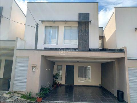 venta de casa en condominio sabanilla