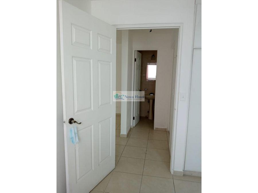se vende apartamento 2rec en el cangrejo