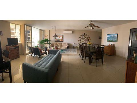 se vende amplio apartamento de 3 rec obarrio