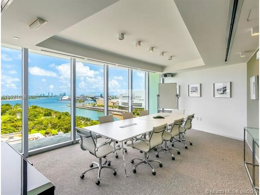 vendo majestuosa oficina en miami