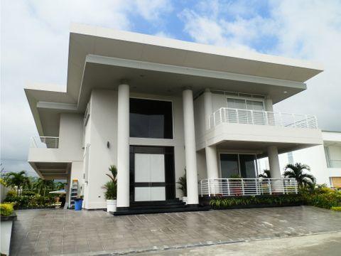espectacular casa en condominio pance