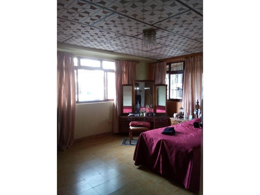 casa 3 rentas en el centro de la ciudad