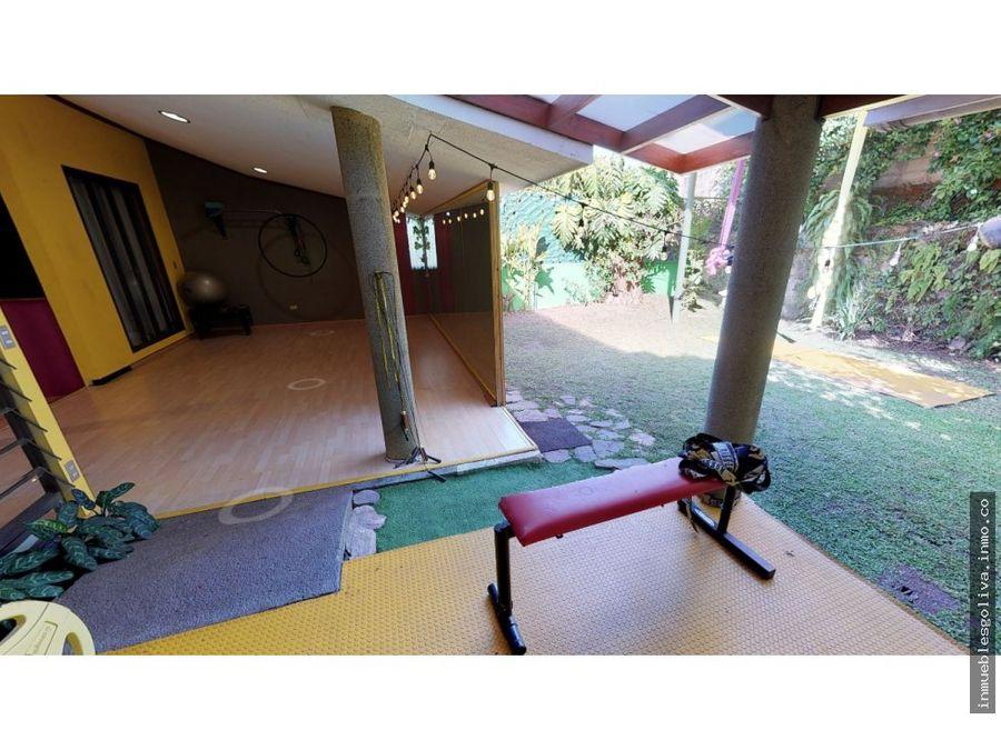 vendo casa col escalon zona luceiro no privado