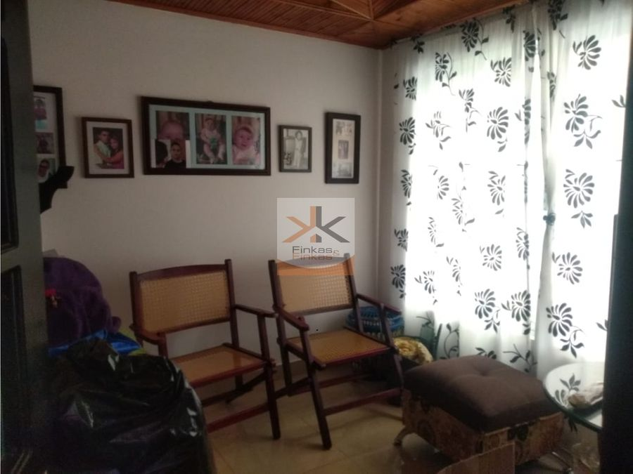se vende casa en villa alejandra armenia
