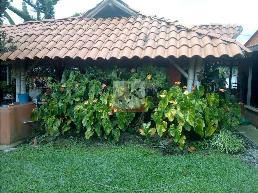 se vende finca via quimbaya