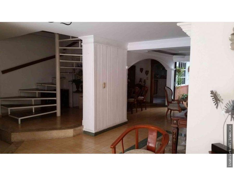 vendemos excelente casa en alameda la victoria eo