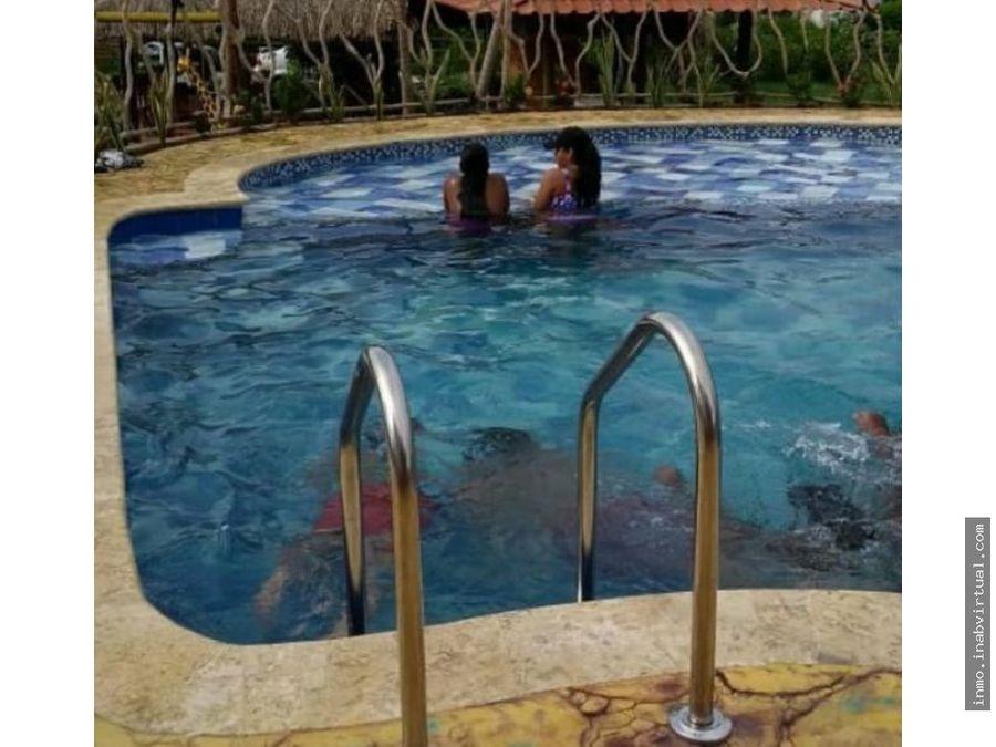 finca cabana 30 personas piscina en turbaco bolivar