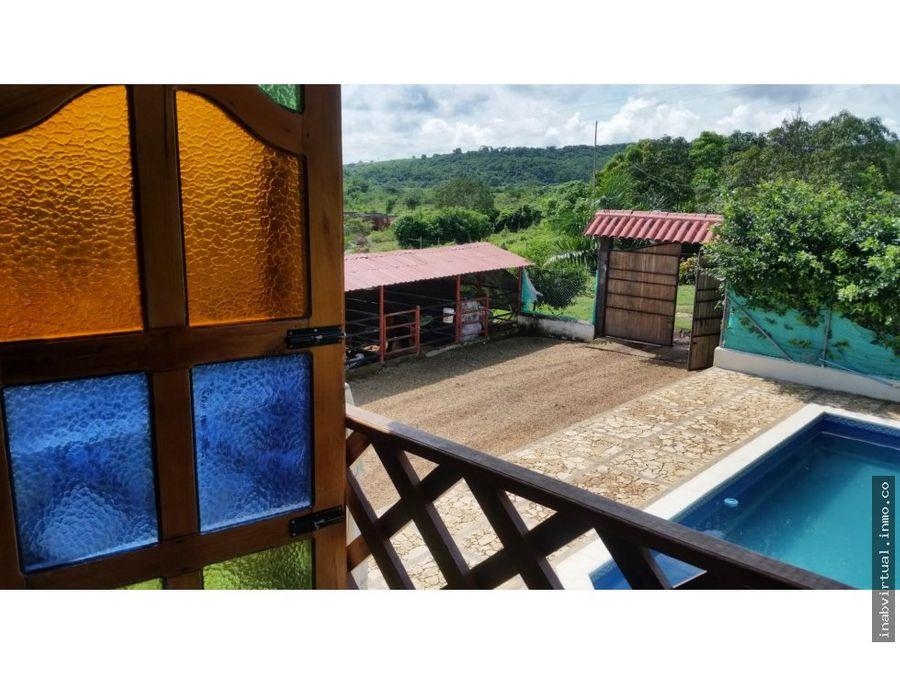 cabana con piscina en la via turbaco