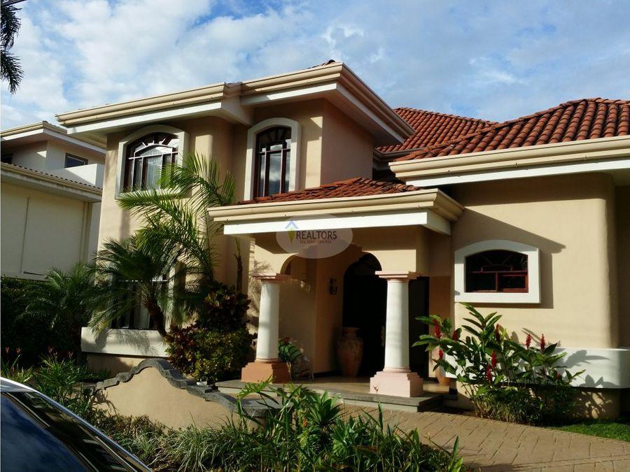 venta de casa en valle del sol