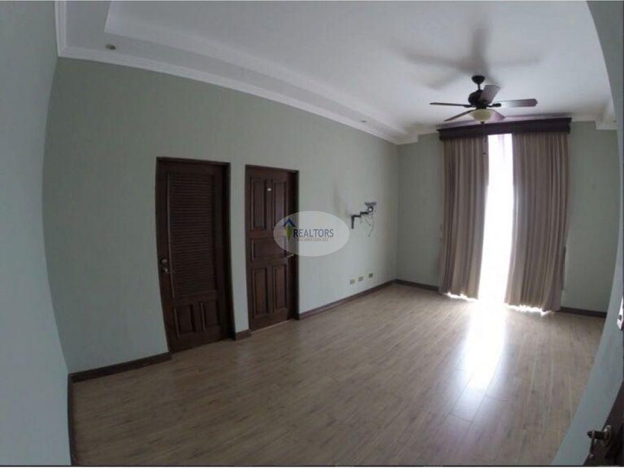 venta de apartamento en santa ana