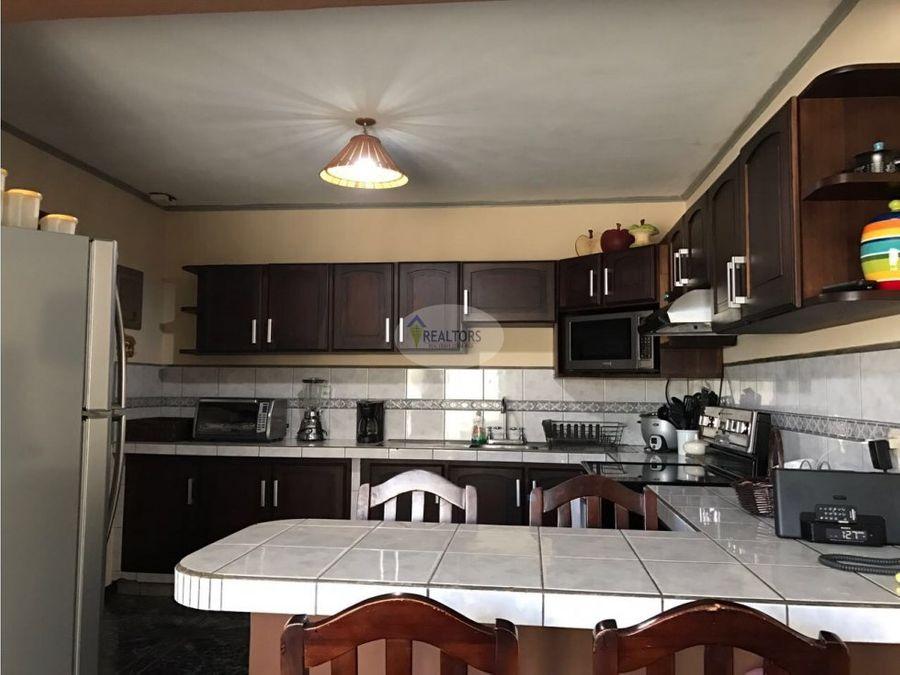 venta de propiedad con 2 casas en moravia