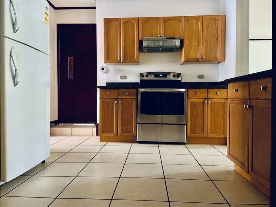 en condominio casa amueblada para alquiler en escazu por multiplaza