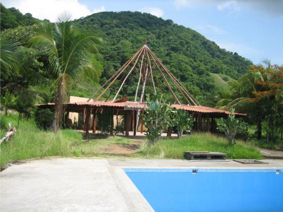 proyecto con edificaciones localizados en jicaral de puntarenas