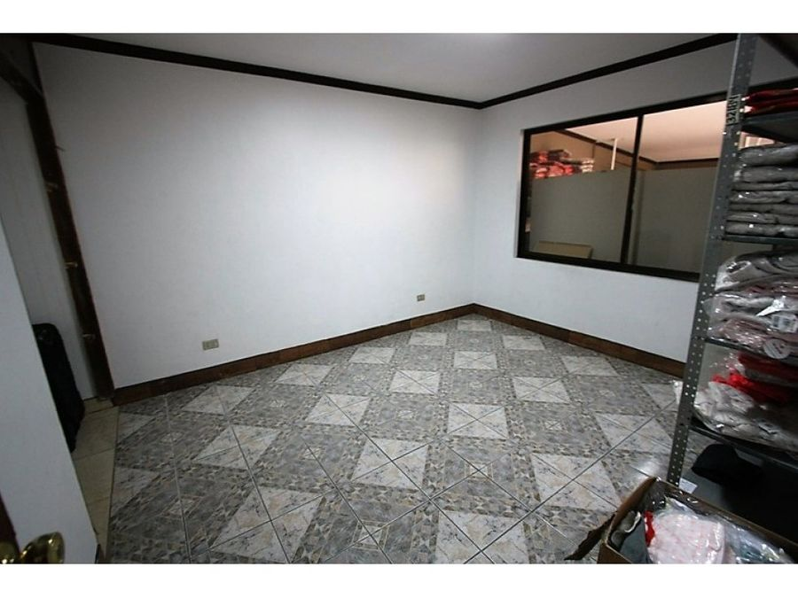 casa comercial curridabat 700 sur plaza del sol