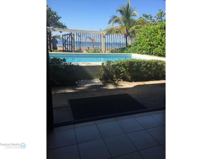 casa frente a playa con piscina propia tivives