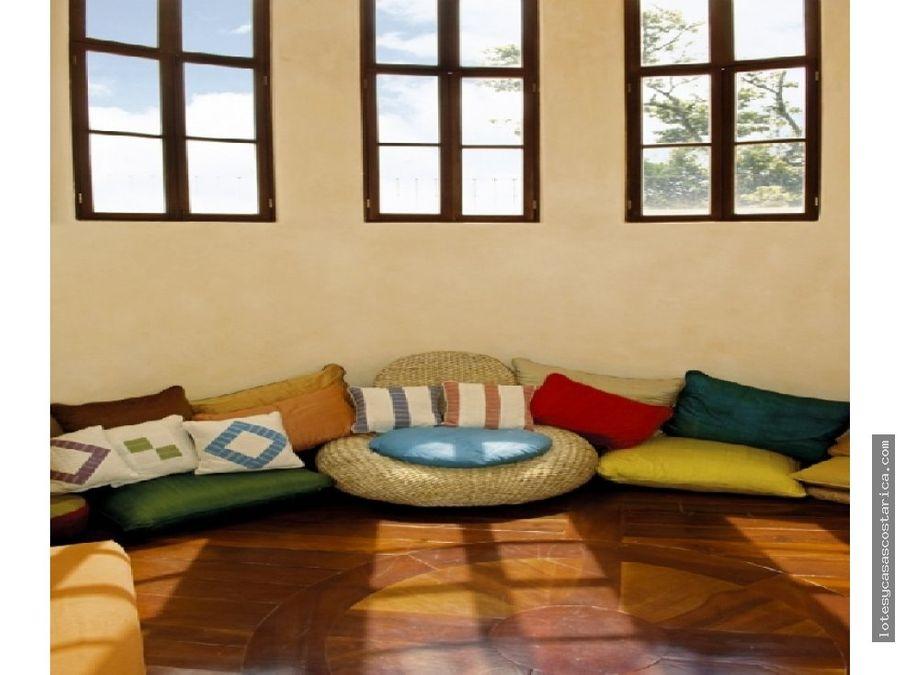 casa de lujo en villa real santa ana