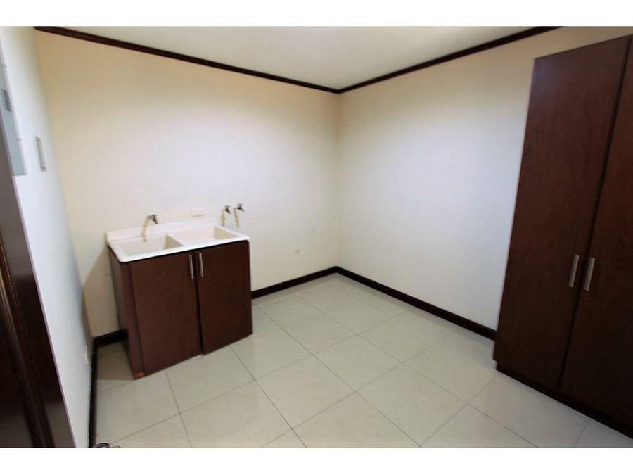 apartamento en alquiler escazu 750