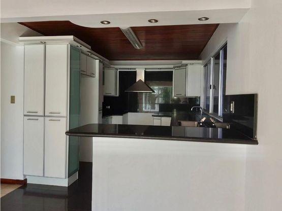 casa para alquiler en urbanizacion privada ubicada en bello horizonte