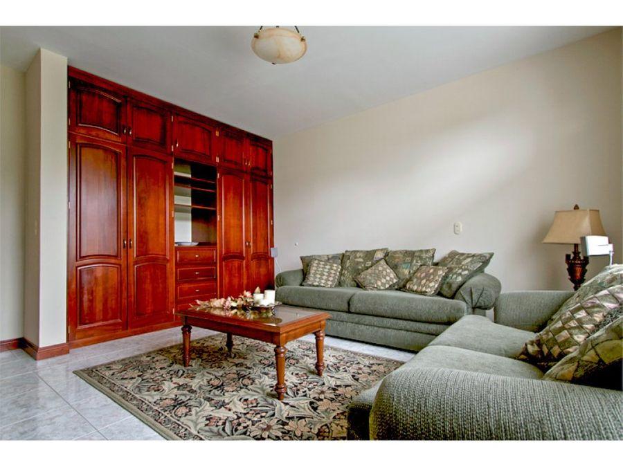 espectacular casa estilo victoriana para venta en hacienda los reyes