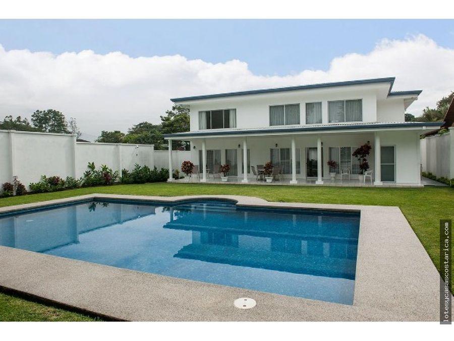 casa en venta ciudad colon con piscina