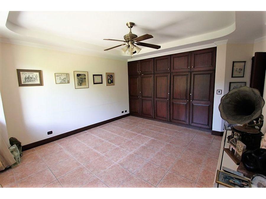 venta de apartamento portofino escazu con vistas