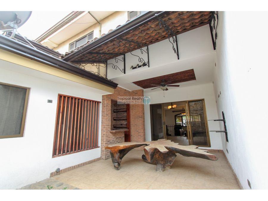 casa en alquiler escazu guachipelin norte en condominio