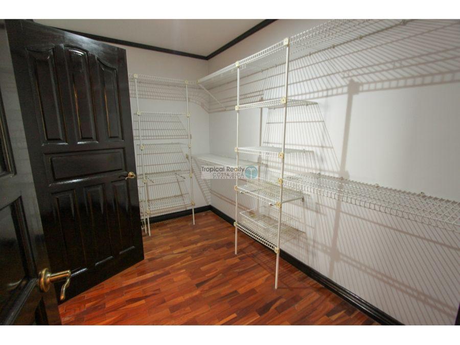 casa en venta escazu jaboncillos en condominio