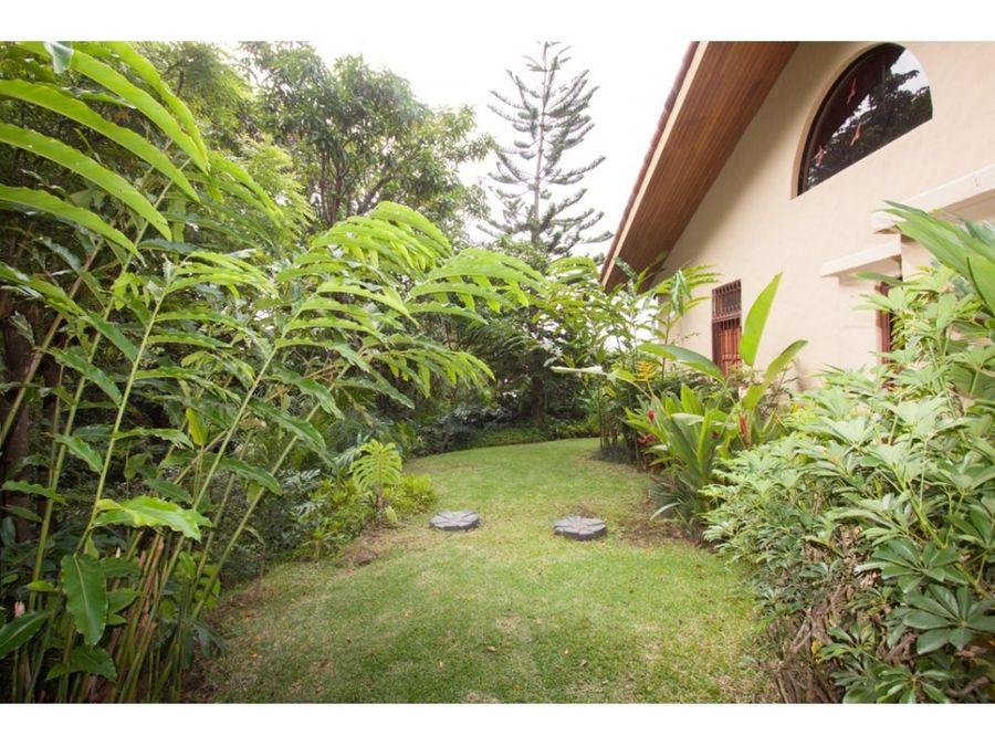 casa de una planta en santa ana en residencial