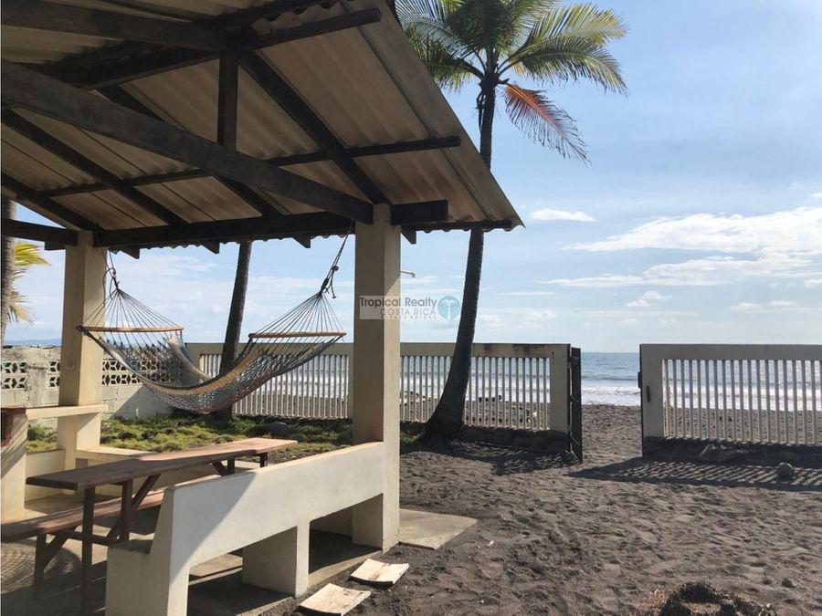casa frente a playa tivives puntarenas